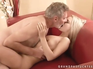 Sabrinka is having some good sex with an older guy and his dick mature blowjob porn